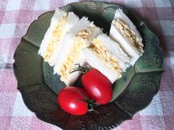 卵とカリフラワーのサンドイッチ(2人分)